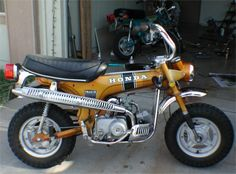 Honda Trail 70 Had one just like this # 1 st bike i ever owned . Vintage Honda Motorcycles, Old School Motorcycles, Honda Bikes, Honda Cycles, Mini Bike, Mini Motorbike, Motorcycle Art, Japanese Motorcycle, Motor Scooters
