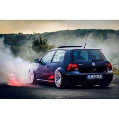 Burnout🚗 Volkswagen Golf Mk1, Vw Mk4, Golf 4, Vw Cars, Car Pictures, Motor Car, Cool Cars, Dream Cars, Super Cars