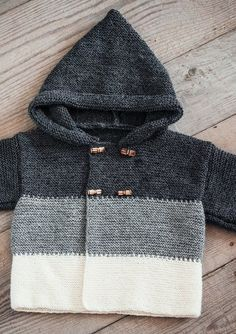 Baby Knitting Patterns Dress Mayflower Knitting Pattern - Baby Hoodie with stripes and buttons Baby Knitting Patterns, Baby Sweater Patterns, Baby Cardigan Knitting Pattern, Knit Baby Sweaters, Knitting For Kids, Baby Patterns, Baby Knits, Free Knitting, Knit Cardigan