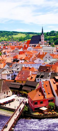 Amazing View over the old Town of Cesky Krumlov, Czech Republic | 22 Reasons why Czech Republic must be in the Top of your Bucket List