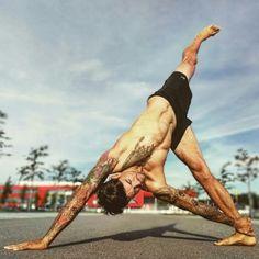 YOGAJO Think peace, feel love, practice aum, be happy www.yogajo.life #yoga, #yogajo, #mensyoga, #yogaformen