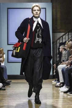 This guy has charisma! And this was one of his most wearable collections yet, taking key pieces, like the pierced bag, and updating it to even more covetable status, not to mention practical effect...
