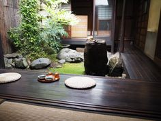 Architectural ideas and Interior Designs Japanese Style House, Small Japanese Garden, Japanese Home Decor, Japanese Interior, Zen Rock Garden, Hot Tub Garden, Japan Apartment, The Pleasure Garden, Washitsu