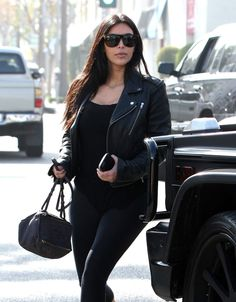 Kim Kardashian going to Il Pastaio Restuarant in Beverly Hills - http://celebs-life.com/?p=82618