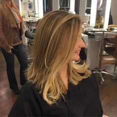 Mais um cabelo incrível pra nossa coleção Por isso amo tanto o que faço, não existe felicidade maior do que ver a alegria e satisfação estampadas no rosto das pessoas cor e corte by me #simonepetinatti #equipetinatti #marcosproencacabeleireiros