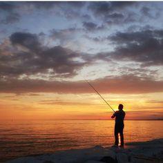 #fisherman #sea #sunset #fishing #istanbul #turkey #turkiye #instaturkey #turkishfollowers #fotozamani #aniyakala #beautifuldestinations #instagram #igworldclub #theworldshotz #photooftheday #city #cityscape #travel #istanbul_hdr #turkishfollowers #cntravellertr #beautifuldestinations by @uguryapici