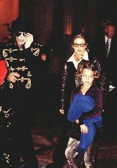 He always loved babies and all children of the world ღ by ⊰ Riley Keough, Lisa Marie Presley, King Of Music, Jackson Family, Losing Someone, Childrens Hospital, Daddys Girl, Michael Jackson, Mike Jackson