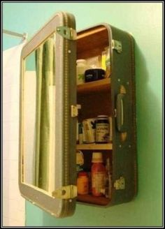 DIY medicine cabinet  http://myhoneysplace.com/diy-medicine-cabinet/