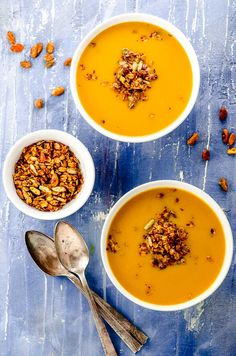 Creamy Vegan Pumpkin Soup with Spiced Savory Granola. Warm, comforting with a crunchy savory granola topping, a real crowd-pleaser for Thanksgiving and all winter long. Delicious Vegan Recipes, Easy Healthy Recipes, Fall Recipes, Beef Recipes, Soup Recipes, Cooking Recipes, Dessert Recipes, Vegan Pumpkin Soup, Savory Pumpkin Recipes