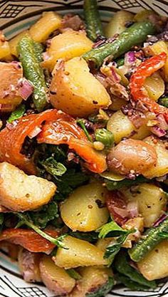 Mediterranean Recipes Mediterranean Potato Salad Recipe ~ Best thing is that you can make it days ahead. The vinaigrette acts as a marinade, the longer the salad sits, the more infused with flavor it becomes. Mediterranean Potato Salad Recipe, Easy Mediterranean Diet Recipes, Mediterranean Dishes, Potato Dishes, Vegetable Dishes, Vegetable Recipes, Veggie Food, Cooking Recipes, Healthy Recipes