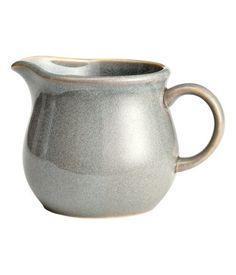 Check this out! Lille mælkekande i keramik. Højde 8 cm, diameter ca. 8 cm. – Gå ind på hm.com for at se mere.