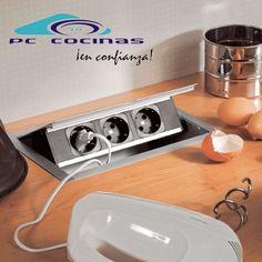 Photo bloc prises rotative backflip evoline cuisine pinterest prises plan de travail et - Accessoires de cuisine originaux ...