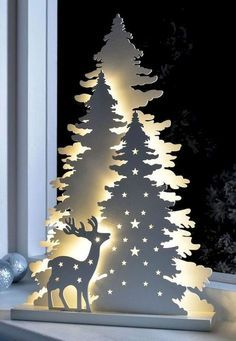 33 Wonderful Christmas Lights Apartment Decorating Ideas And Makeover. If you are looking for Christmas Lights Apartment Decorating Ideas And Makeover, You come to the right place. Best Christmas Lights, Cool Christmas Trees, Decorating With Christmas Lights, Magical Christmas, Christmas Wood, Outdoor Christmas, Christmas Projects, Christmas Tree Decorations, Holiday Crafts