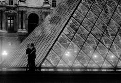 Kiss at the Louvre