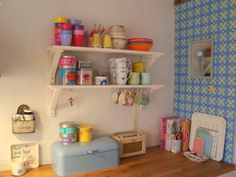 Very envious of this little kitchen corner!