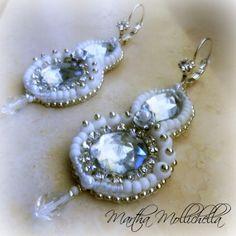 Martha Mollichella: Orecchini White Light - Ricamo con perline