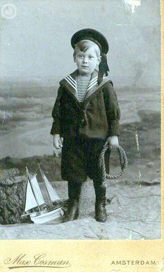 Vintage Children Photos, Vintage Pictures, Vintage Images, Antique Photos, Vintage Photographs, Old Photos, Sailor Costumes, Sailor Outfits, Boy Illustration