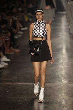 O streetwear 90's da Ellus para o inverno 2016 - Vogue | Desfiles