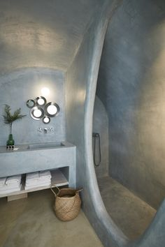 Oikos Architecture - Building Wonders since 1970 in Santorini Eclectic Bathroom, Bathroom Styling, Bathroom Interior Design, Modern Interior Design, Interior Architecture, Interior Decorating, Bathroom Ideas, Dream Home Design, House Design