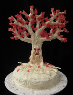 Weirwood Cake... Looks like I'll have to throw a Game of Thrones party so I can try to bake this thing :)