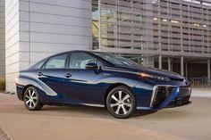 O Toyota Mirai, um veículo a célula de combustível, marca uma nova era, utilizando o hidrogénio como combustível – uma fonte de energia importante – para produzir eletricidade. O carro alcança uma performance ambiental única aliado ao prazer de condução e uma conveniência igual ao de um veículo convencional.