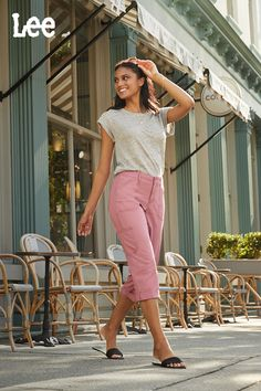 Made for all-day comfort, these relaxed fit women's cargos have all the pocket space you need, with the flexible fit you prefer. Perfect for lounging around the house or starting a new project! Shop the full collection of Lee capris for women. Denim Capris, Jeans, Cargo Pants Women, Spring Style, Fit Women, Spring Fashion, Capri Pants, Pocket, Space