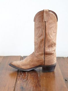 Thinking I need a pair like these, Vintage Distressed Leather Cowboy Boots