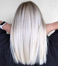 Mid-Length Straight Platinum Blonde Hair hair length 70 Devastatingly Cool Haircuts for Thin Hair Platinum Blonde Hair Color, Grey Blonde, Blonde Hair Shades, Mid Length Blonde Hair, Kim Blonde, Platnium Blonde Hair, Thin Blonde Hair, Platinum Blonde Balayage, Balayage Hair