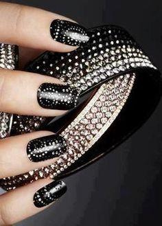 Luxury #nails #beautyinthebag #nailart