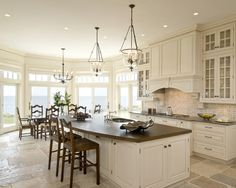 great kitchen, with lots of windows over looking the ocean. doesn't get any better.