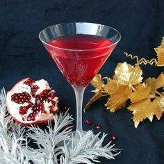 5 days of cocktails countdown to New Years. Pomegranate Martini!