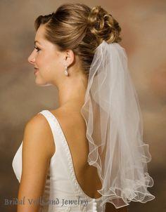 V1028 - 1-tier Shoulder length Veil Short Wedding Hair, Wedding Hair And Makeup, Wedding Veils, Fall Wedding, Wedding Dresses, Bridal Veils, Dream Wedding, Hair Design For Wedding, Short Veil
