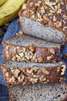 Banana Bread Starbucks Copycat Recipe - Butter Your Biscuit Banana bread is one of my all time favorites! This recipe is moist, and loaded with banana sweetness and topped off with crunchy walnuts. Banana Walnut Bread, Gluten Free Banana Bread, Make Banana Bread, Vegan Banana Bread, Easy Bread Recipes, Banana Bread Recipes, Cat Recipes, Crepes, Starbucks Banana Bread
