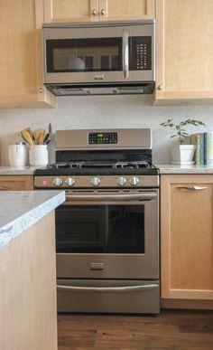 My Sister's New Kitchen: Surprise! It's NOT White or Subway Tile!   Maria Killam   True Colour Expert   Decorator