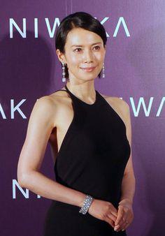 日本美を表現俄 NIWAKA新作発表会中谷美紀も登場