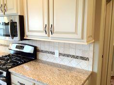 idea for glass tile deco on back splash of kitchen