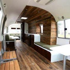 """Excellent photo set of 1985 Airstream 345 Motorhome. (One of the """"real"""" Airstream motorhomes, from when the bodies were made like Airstream trailers. Airstream Motorhome, Airstream Remodel, Airstream Renovation, Airstream Interior, Trailer Interior, Airstream Decor, Airstream Caravans, Airstream Vintage, Vintage Campers"""