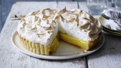 Mary Berry's lemon meringue pie recipe - BBC Food Mary Berry shows you how to make an easy lemon meringue pie with no soggy bottoms in sight. Pie Recipes, Sweet Recipes, Baking Recipes, Dessert Recipes, Lemon Desserts, Lemon Recipes Uk, Marry Berry Recipes, British Baking Show Recipes, British Desserts