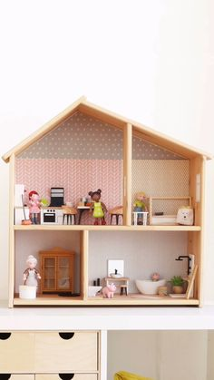 With us you will find colorful wallpapers to transform the IKEA wooden doll house. Also check out th Ikea Dollhouse, Girls Dollhouse, Wooden Dollhouse, Homemade Dollhouse, Diy Furniture Videos, Diy Barbie Furniture, Modern Dollhouse Furniture, Doll House Plans, Baby Boy Room Decor
