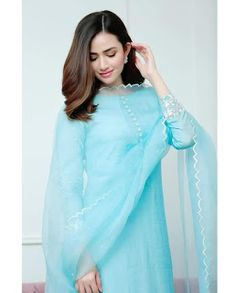 Kahani ghar is free reading stories.you can reading stories and more knowldge for this. Pakistani Formal Dresses, Pakistani Dress Design, Pakistani Outfits, Indian Outfits, Pakistani Girl, Pakistani Actress, Pakistani Fashion Casual, Stylish Dress Designs, Stylish Dresses