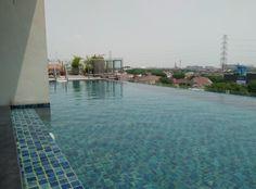 Swiss Bel inn pool Manyar Surabaya