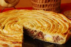 Pastel de carne murciano Spanish Cuisine, Spanish Dishes, Spanish Food, Savoury Baking, Savoury Dishes, Quiches, Kitchen Recipes, Cooking Recipes, Great Recipes