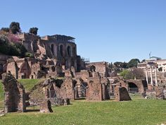 Pazo de Calígula. Pazo de Calígula, ao pé do Palatino.