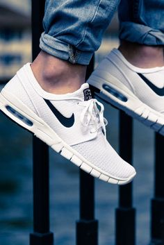 Nike sb stefan janoski max 'white on black' Nike Free Shoes, Nike Shoes Outlet, Running Shoes Nike, Look Fashion, Fashion Shoes, Mens Fashion, Nike Fashion, Cheap Fashion, Tenis Casual