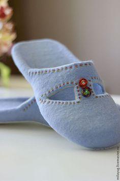 """Купить """"Небесная лазурь"""" валяные тапочки - голубой, небесный, лазурный, Тапочки ручной работы, весна"""