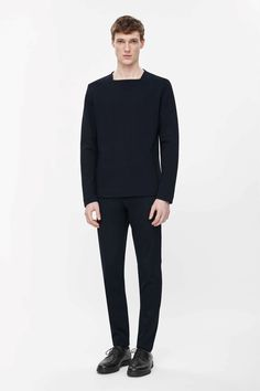 COS is a contemporary fashion brand offering reinvented classics and wardrobe essentials made to last beyond the season, inspired by art and design. Mature Mens Fashion, Young Fashion, Minimal Outfit, Minimal Fashion, Trendy Outfits, Cool Outfits, Fashion Outfits, Latest Clothes For Men, Weird Fashion