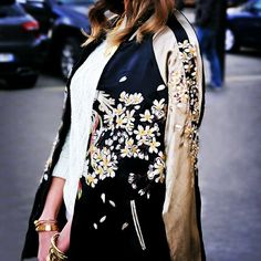 FOCUS ON FLOWERS JACKET #emmetrend #fashionista #fashionblogger #trend #jacket #outfit #streetstyle #streetchic
