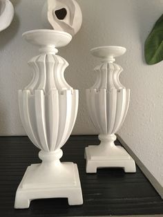 STG0053 White ornate candle holders S/2