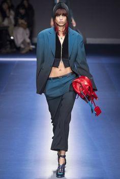 Versace Autumn/Winter 2017 Ready-to-wear Collection | British Vogue