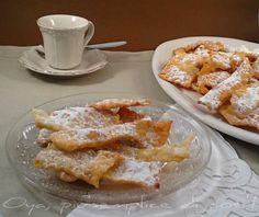 Chiacchiere di carnevale, ricetta dolce. http://blog.giallozafferano.it/oya/chiacchiere-di-carnevale-ricetta-dolce/